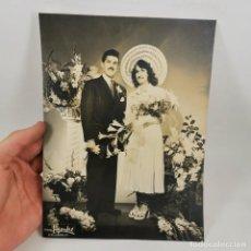 Documentos antigos: ANTIGUA FOTOGRAFIA DE ESTUDIO ARTÍSTICA - BODA - PAREJA RECIEN CASADOS / TC-49.1. Lote 206537096