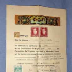 Documentos antiguos: CERTIFICADO ENSEÑANZAS DEL HOGAR EPOCA FRANQUISTA SELLOS FALANGISTAS ORIGINAL AÑO 1965 TORTOSA. Lote 246043360