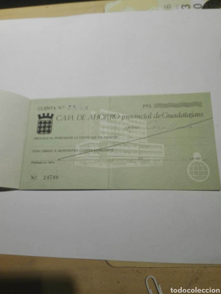 Documentos bancarios: DOCUMENTO TALONARIO CHEQUES CAJA AHORRO GUADALAJARA 1975 - Foto 2 - 104530379