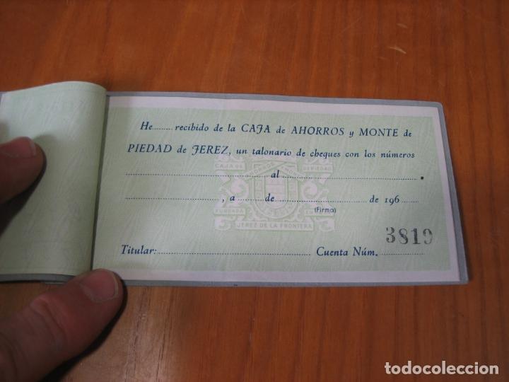 Documentos bancarios: Talonario bancario caja de ahorros de Jerez - Foto 3 - 178202368