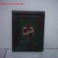 Coleccionismo deportivo: FUTBOL CUADRO CON ESCUDO DEL LEVANTE U.D. Lote 26119479