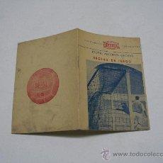 Coleccionismo deportivo: FUTBOL . REGLAS DE JUEGO . EDICIONES EDFERSAL 1955 . REDACTADO POR PEDRO ESCARTIN 10X14 CMS 30 PP. . Lote 22109423