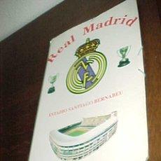 Coleccionismo deportivo: CARPETA REAL MADRID. ESTADIO SANTIAGO BERNABEU. TAMAÑO: 35,5 X 24,5 CM. *. Lote 20246743