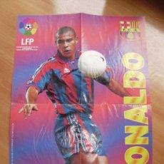 Coleccionismo deportivo: F.C BARCELONA .POSTER DE RONALDO GIGANTE. Lote 25752748