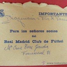 Coleccionismo deportivo: CORRESPONDENCIA SOCIOS REAL MADRID RENOVACIÓN DE CARNETS CON SOBRE 12 X 17,5 CM AÑOS 70. Lote 32418277