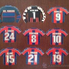 Coleccionismo deportivo: LOTE DE 9 PEGATINAS DEL BARCELONA CON FORMA DE CAMISETA. Lote 39067608