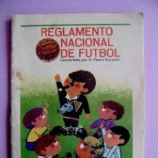 Coleccionismo deportivo: REGLAMENTO NACIONAL DE FUTBOL - TABACOS TUMBO - 1966. Lote 41171027
