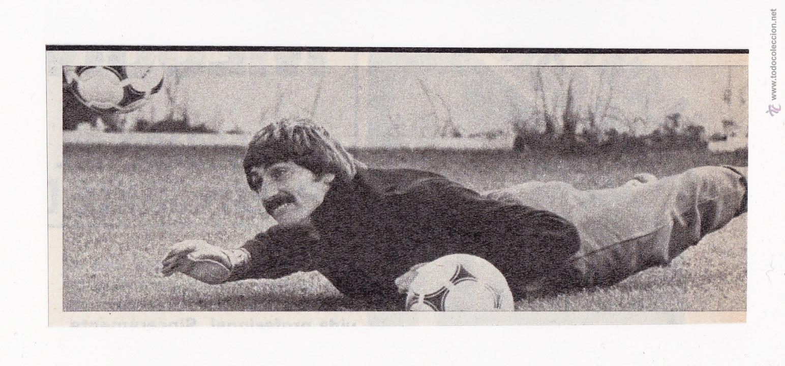 RECORTE TAMAÑO 13 X 5 CM - MIGUEL ANGEL PORTERO REAL MADRID CF ENTRENANDO (Coleccionismo Deportivo - Documentos de Deportes - Otros)