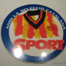 Coleccionismo deportivo: PEGATINA ADHESIVO DIARIO SPORT 'AMB LA SELECCIÓ CATALANA'. Lote 41425578