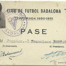 Coleccionismo deportivo: (F-892)CARNET DE JUGADOR DEL C.F.BADALONA 1950-51,FCO.BETANCOURT-EX-JUGADOR DEL C.F.BARCELONA. Lote 41581830