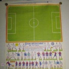 Coleccionismo deportivo: RECORTABLE FUTBOL - CAMPO Y CUATRO EQUIPOS MADRID, BARCELONA, CELTA Y DEPORTIVO - MIDE 49X 68 CM. . Lote 41648282