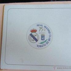 Coleccionismo deportivo: JUEGO SELLOS CONMEMORATIVOS 75 ANIVERSARIO REAL MADRID. CON CARPETITA. Lote 51574924