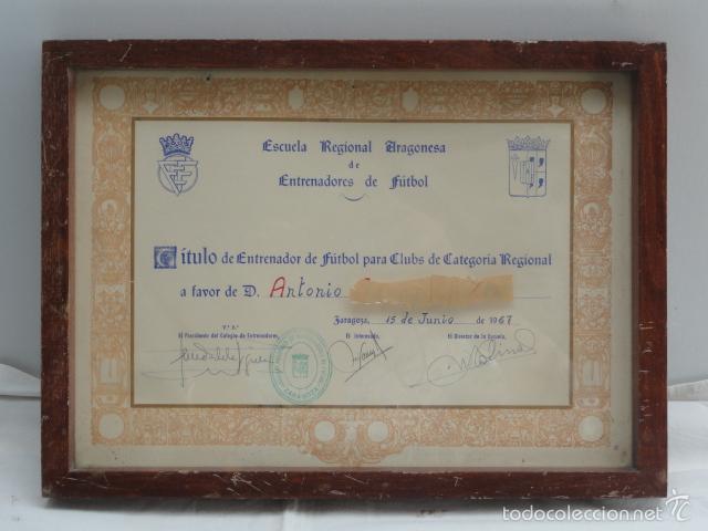 TÍTULO DE ENTRENADOR DE FUTBOL ENMARCADO. AÑO 1967. (Coleccionismo Deportivo - Documentos de Deportes - Otros)