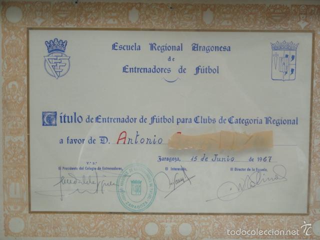 Coleccionismo deportivo: TÍTULO DE ENTRENADOR DE FUTBOL ENMARCADO. AÑO 1967. - Foto 2 - 57714788