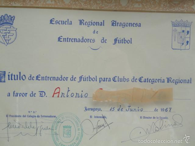 Coleccionismo deportivo: TÍTULO DE ENTRENADOR DE FUTBOL ENMARCADO. AÑO 1967. - Foto 3 - 57714788