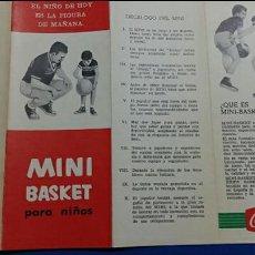Coleccionismo deportivo: TRIPTICO MINI BASKET PARA NIÑOS. PUBLICIDAD COCA COLA. 1963. Lote 61282791