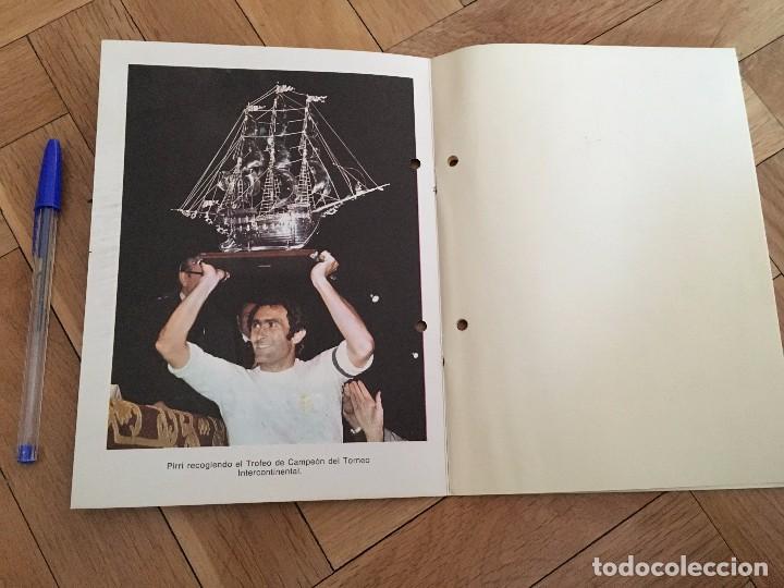 Coleccionismo deportivo: 75 ANIVERSARIO REAL MADRID FOTOGRAFIA PIRRI CON TROFEO 1977 - Foto 2 - 88015368