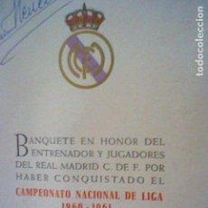 Coleccionismo deportivo: MINUTA DÍPTICO BANQUETE CELEBRACIÓN LIGA 1960 61 REAL MADRID AUTOGRAFOS IMPRESOS JUGADORES. Lote 194619287