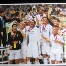 Coleccionismo deportivo: FOTOGRAFIA LAMINA MARCA REAL MADRID CAMPEON SUPERCOPA EUROPA 2002 UEFA SUPERCUP. Lote 181232371
