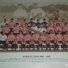 Coleccionismo deportivo: TARJETON PLANTILLA ATHLETIC CLUB DE BILBAO OFICIAL TEMPORADA 1997-1998 27,5 X 21 CM PERFECTO ESTADO. Lote 210266630