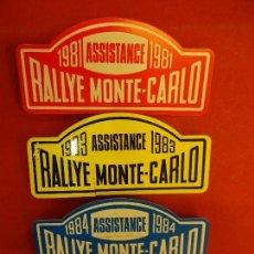 Coleccionismo deportivo: RALLYE MONTE-CARLO. LOTE DE 4 DISTINTIVOS VEHÍCULO DE ASISTENCIA. AÑOS 1980S. MIDEN 8 CTMS. Lote 120326135