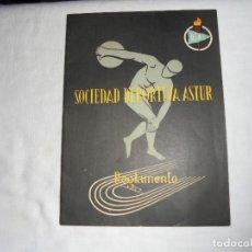 Coleccionismo deportivo: REGLAMENTO DE LA SOCIEDAD DEPORTIVA ASTUR.DEL FRENTE DE JUVENTUDES OVIEDO. Lote 128502671