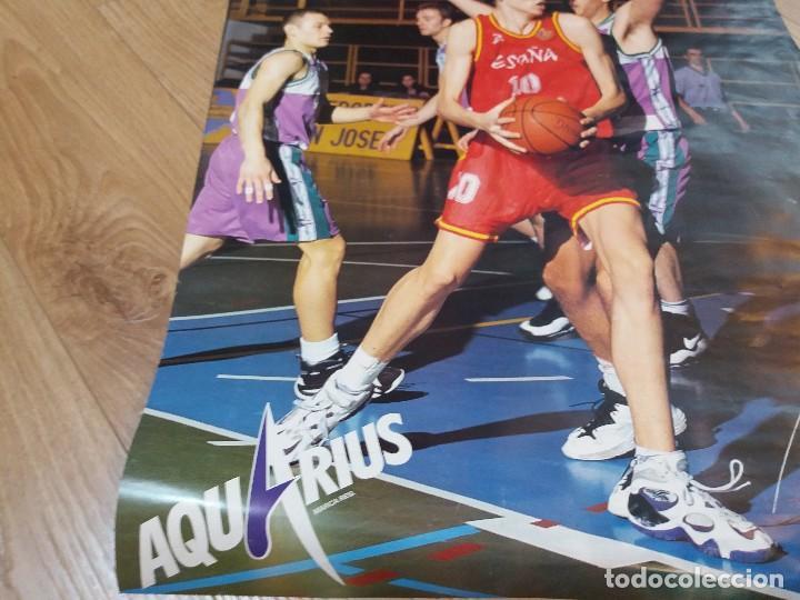 Coleccionismo deportivo: Poster Pau Gasol. España. Aquarius. Raro. Dorsal 10, en lugar del habitual 4. 26x19 cm. Años 90. - Foto 4 - 134286910