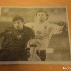 Coleccionismo deportivo: FUTBOL RECORTE DE PERIODICO DEPORTIVO FIGO (FC BARCELONA). Lote 143723690