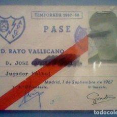 Coleccionismo deportivo: RAYO VALLECANO TEMPORADA 1967 68 TARJETA PASE JUGADOR . Lote 149210018