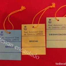 Coleccionismo deportivo: REAL AUTOMÓVIL CLUB CATALUÑA. RACC. (LÉRIDA). LOTE DE 3 ACREDITACIONES ORIGINALES AÑOS 1970S. Lote 154969618
