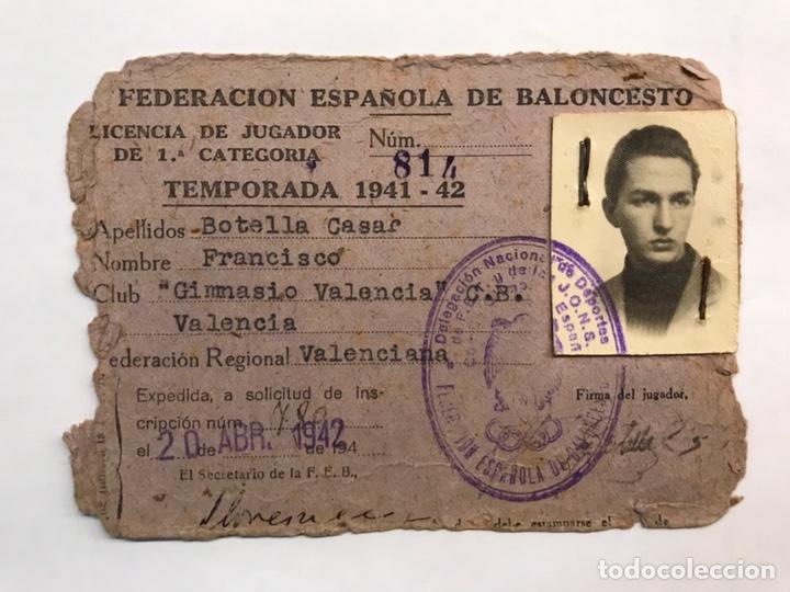 BALONCESTO. FOTOGRAFÍA VALENCIA. CARNET FEDERACIÓN ESPAÑOLA DE BALONCESTO. TEMPORADA (1941-42) (Coleccionismo Deportivo - Documentos de Deportes - Otros)