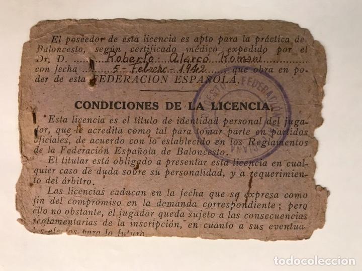 Coleccionismo deportivo: BALONCESTO. Fotografía Valencia. Carnet Federación Española de Baloncesto. Temporada (1941-42) - Foto 2 - 165147790