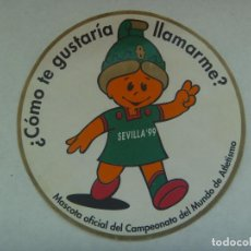 Coleccionismo deportivo: PEGATINA DE LA GIRALDILLA, LA MASCOTA DEL CAMPEONATO DEL MUNDO DE ATLETISMO DE 1999. Lote 167171464