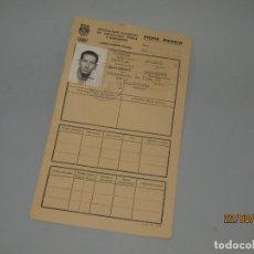 Coleccionismo deportivo: FICHA COMITÉ OLÍMPICO ESPAÑOL DEL JUGADOR DEL VALENCIA Y SELECCIÓN ESPAÑOLA FUTBOL ANTONIO FUERTES. Lote 175191952