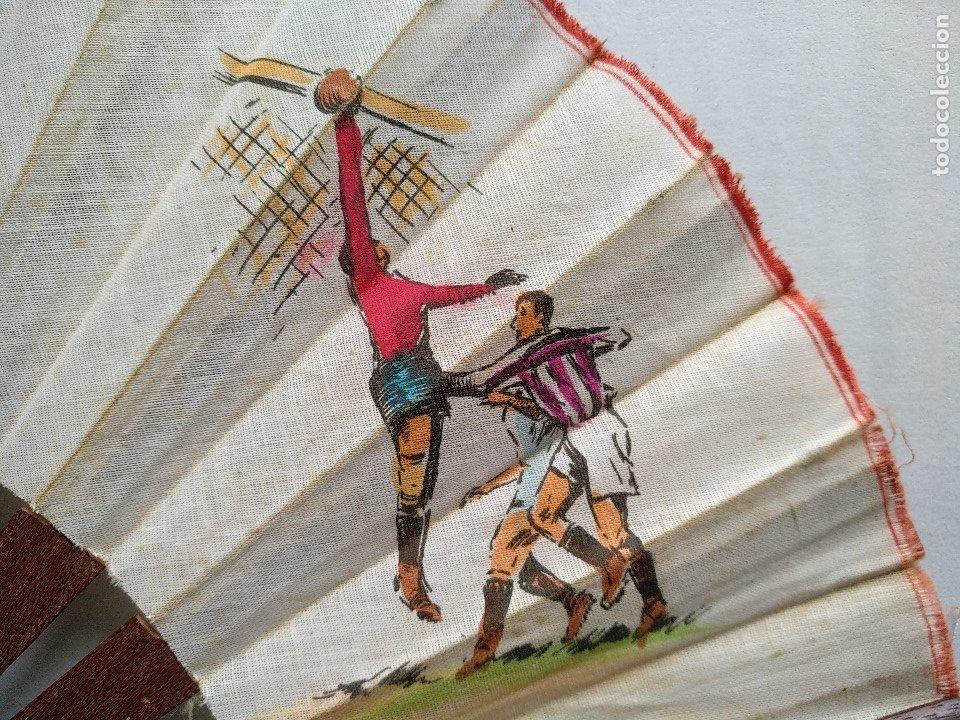 Coleccionismo deportivo: ABANICO CON ESCENAS DE FÚTBOL - Foto 4 - 177496538