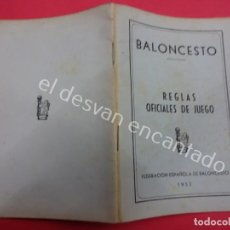 Coleccionismo deportivo: BALONCESTO. FEDERACION ESPAÑOLA. REGLAS OFICIALES DE JUEGO 1953. Lote 194601972