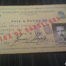 Coleccionismo deportivo: CARNET FEDERACION BARCELONA DE BALONCESTO PASE A FAVOR 1954. Lote 195426866