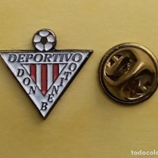 Coleccionismo deportivo: PIN FUTBOL - ESCUDO EQUIPO DE FUTBOL - DEPORTIVO DON BENITO - BADAJOZ. Lote 206171396