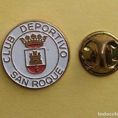Coleccionismo deportivo: PIN FUTBOL - ESCUDO EQUIPO DE FUTBOL - CLUB DEPORTIVO SAN ROQUE - CADIZ. Lote 206171645
