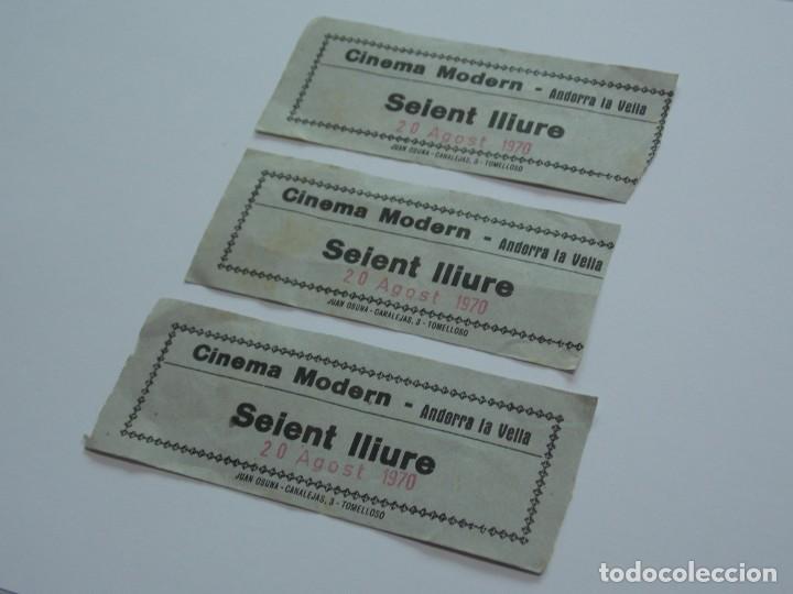 Coleccionismo deportivo: 3 ENTRADAS DE CINE - CINEMA MODERN - ANDORRA LA VELLA - SEIENT LLIURE - 20 AGOST 1970 ...L3399 - Foto 2 - 244523070