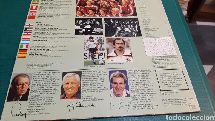 Coleccionismo deportivo: DISCO ALEMAN OLE MUNDIAL MUNDIAL FÚTBOL 1982 ARIOLA NUEVI ESTADO DISCOS COLISEVM ANTIGÜEDADES - Foto 2 - 257399420
