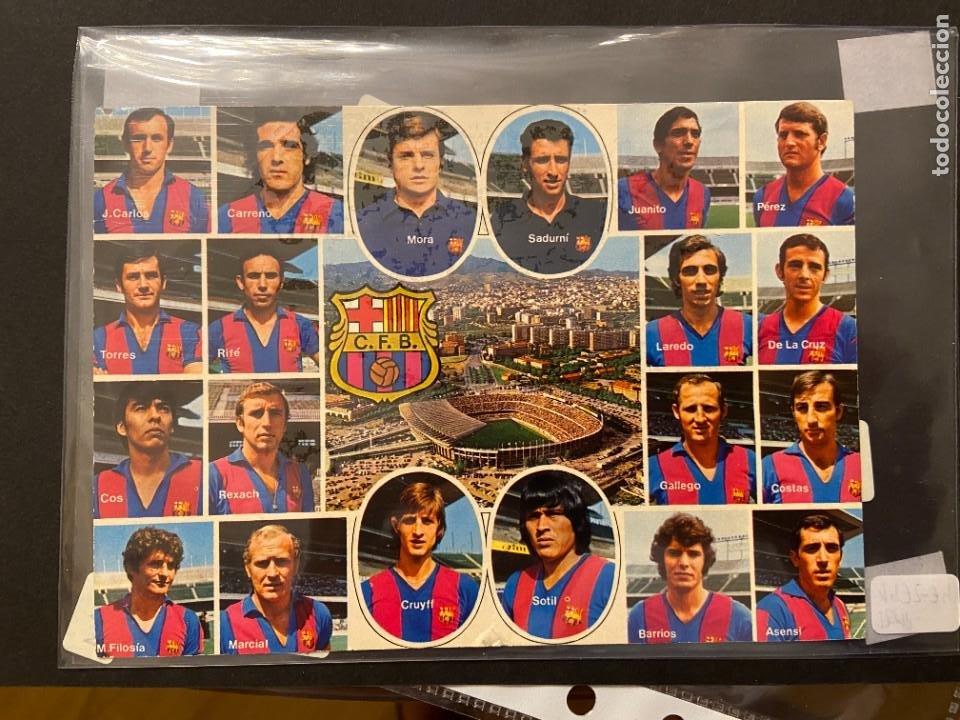 PRECIOSA POSTAL DEL BARCELONA CON CRUYFF 1972 FIRMADA POR 10 JUGADORES (Coleccionismo Deportivo - Documentos de Deportes - Otros)