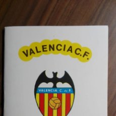 Coleccionismo deportivo: LIBRITO PLANTILLA VALENCIA CF TEMPORADA 1975-76 CON FIRMAS IMPRESAS. Lote 273379173