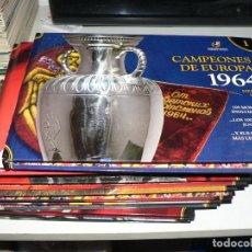 Coleccionismo deportivo: COLECCION DE LA HISTORIA DEL FUTBOL Y DE LA SELECCION CON LOS 100 JUGADORES ASI COMO OCHO CD DE LOS. Lote 278583928