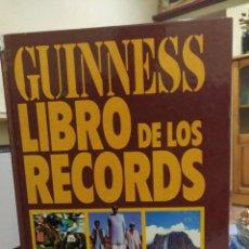 Enciclopedias antiguas: LIBRO GUINNESS DE LOS RECORDS 1983. Lote 158613946
