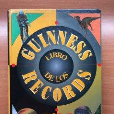 Enciclopedias: LIBRO GUINNESS DE LOS RECORDS 1994 (COMO NUEVO). Lote 147868197