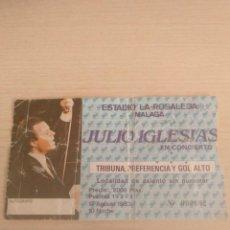 Entradas de Conciertos: ENTRADA TRIBUNA CONCIERTO 1983 JULIO IGLESIAS - ESTADIO LA ROSALEDA MALAGA. Lote 151602390