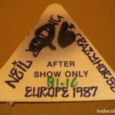 Entradas de Conciertos: NEIL YOUNG AND CRAZY HORSE BACKSTAGE EN TELA COMPLETO EUROPE 1987 . Lote 186326783
