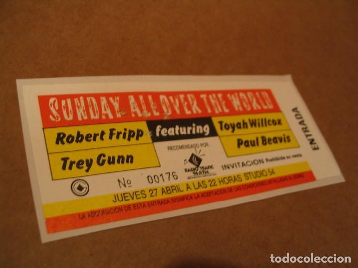 SUNDAY ALL OVER THE WORLD FRIPP ENTRADA INVITACIÓN 1989 BCN GIRA TOUR ENGANCHADA GLUED 176 (Música - Entradas)