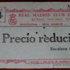 Coleccionismo deportivo: ENTRADA DE PARTIDO DE FUTBOL - 15 FEBRERO 1959 - REAL MADRID 1, BARCELONA 0 - ESTADIO SANTIAGO BERNA. Lote 27445200